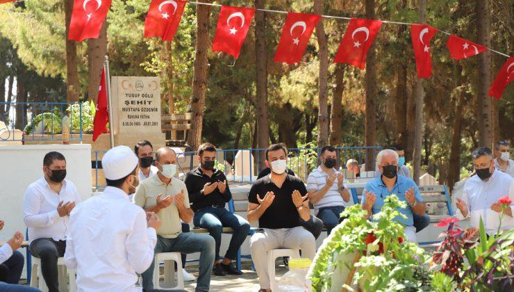 AK Parti Alanya bayram öncesi şehitleri ziyaret etti